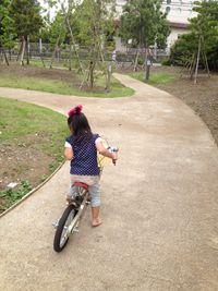 自転車練習としゃぼんだま遊び
